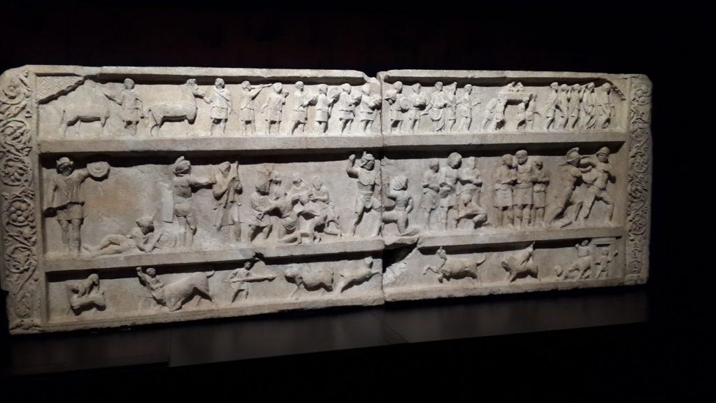 relieve gladiadores pompeya mann