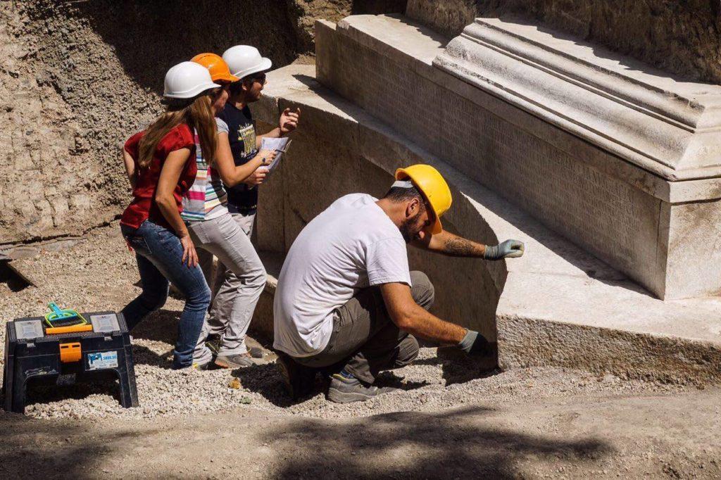 porta stabia tomba tumba pompeii epigrafía