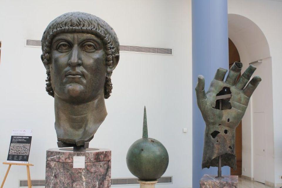 estatua colosal de bronce de Constantino