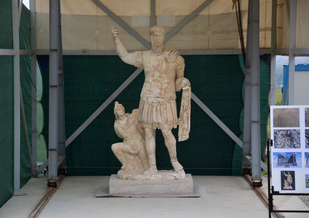 estatua trajano laodicea